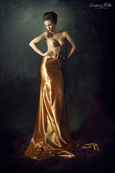 goddess in gold